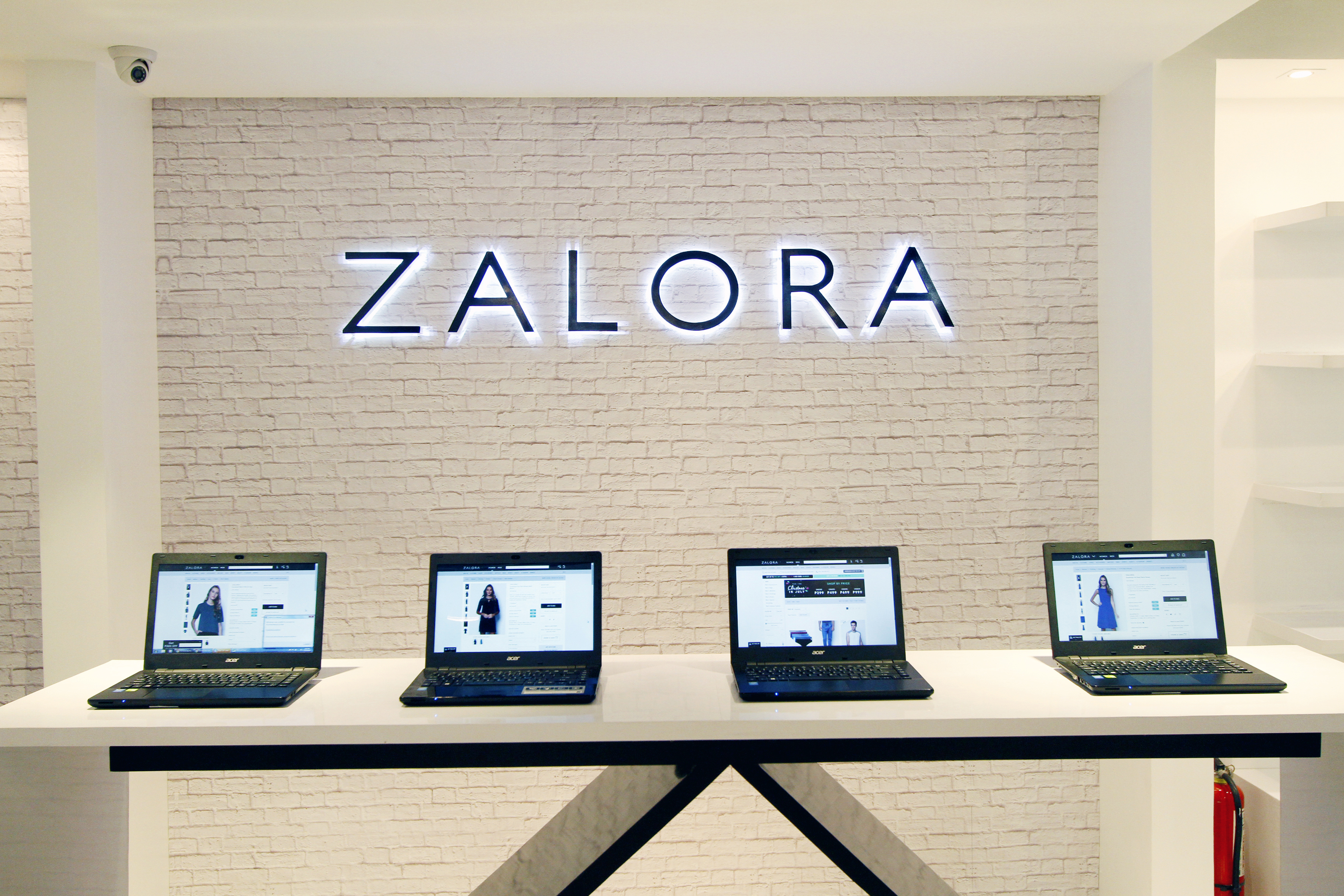 From Clicks to Bricks: Zalora Opens Up their Newest Pop Up Store
