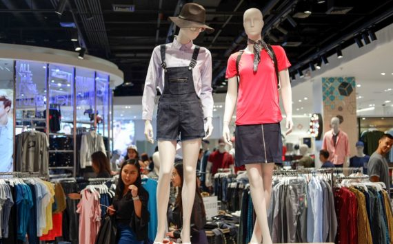 Time to Shop for New Wardrobe Pieces: Penshoppe Opens Biggest Flagship Store in UP Town